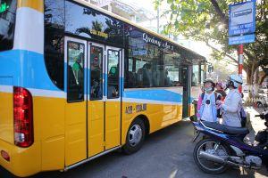 Đà Nẵng: Đình chỉ tài xế xe buýt đuổi học sinh vì... 'không có tiền thối'