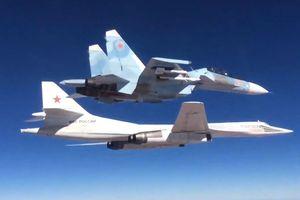 Sát thủ Tu-160 Nga hay B-1B Mỹ mạnh hơn?