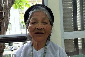 Lần đầu ghép răng cho cụ bà 91 tuổi cao huyết áp