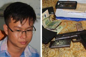Qua Campuchia mua súng về… phòng thân(?)