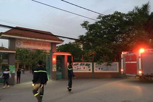 Cháy trường tiểu học, nhiều phòng bị hư hỏng