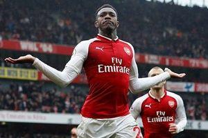 Welbeck lập cúp đúp, Arsenal thắng nhọc Southampton