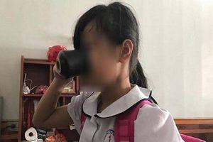 Hành vi bắt học sinh uống nước giặt giẻ lau quá nhẫn tâm, gia đình quyết định kiện cô giáo