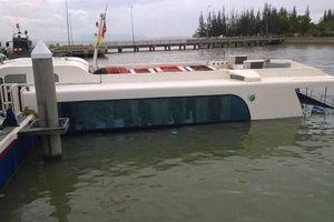 Tàu cao tốc chở 42 hành khách gặp nạn ở Cần Giờ