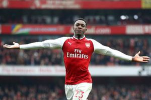 Arsenal 3-2 Southampton: 2 thẻ đỏ cuối trận và màn rượt đuổi hấp dẫn