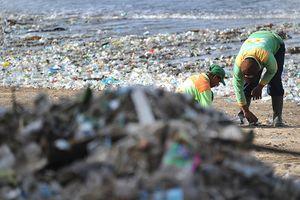 Bãi biển Đông Nam Á: Càng đẹp, càng 'khổ'