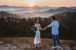 Bộ ảnh cưới lãng mạn của cặp đôi 'gái thẳng' bị 'bẻ cong' khi tìm thấy tình yêu đích thực