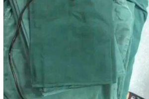 Rút sợi cáp dài gần 1 mét ra khỏi 'cậu nhỏ' của bệnh nhân