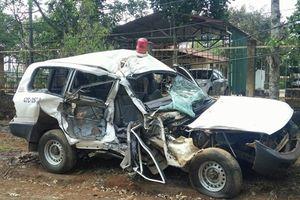 Xe cứu thương chở người đi cấp cứu va chạm liên hoàn, 3 người tử vong tại chỗ