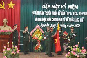 Lữ đoàn xe tăng 215 đón nhận Huân chương Bảo vệ Tổ quốc hạng Nhất