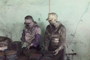 Lạnh gáy bên trong xưởng sản xuất thuốc ung thư từ bột than