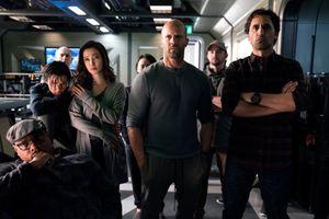 Tạo hình của Lý Băng Băng trong 'Cá mập siêu bạo chúa' diễn cùng Jason Statham
