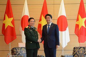 Bộ trưởng Ngô Xuân Lịch tiếp kiến Thủ tướng Nhật Bản Shinzo Abe