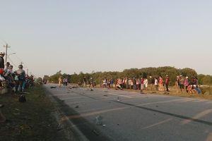 2 thanh niên chết thảm sau cú 'đối đầu' xe tải