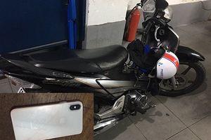 Cảnh sát truy đuổi gần 10km, bắt 2 nghi can cướp iPhone như phim hành động