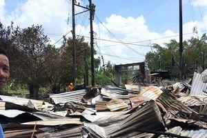 Cà Mau: Sở GD&ĐT chia sẻ, hỗ trợ gia đình giáo viên và học sinh có nhà bị cháy