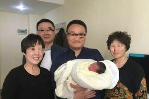 Hi hữu em bé chào đời sau 4 năm cha mẹ qua đời vì tai nạn giao thông