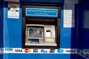 Điều tra vụ màn hình máy ATM bị vỡ nát bí ẩn