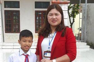 Học sinh tiểu học trả lại gần 25 triệu đồng cho người đánh mất