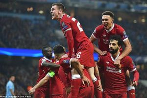 Pep bị truất quyền chỉ đạo hiệp 2, Man City 'đại bại' trước Liverpool