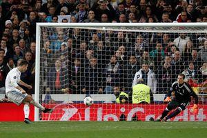 Real Madrid suýt đi vào 'vết xe đổ' của Barcelona