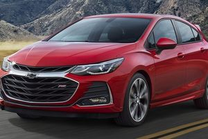 Chevrolet Cruze 2019 chính thức ra mắt, nhiều cải tiến đáng giá