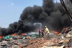 Xưởng phế liệu lại bùng cháy lần thứ 2 trong tháng