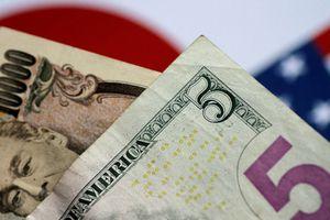 Đồng USD giảm mạnh do căng thẳng tại Trung Đông leo thang