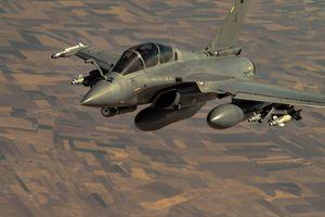 Pháp có thể điều động máy bay không kích Syria từ các căn cứ nội địa