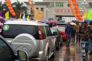 Xe tự lái qua biên giới Đông Hưng – Móng Cái: Có được tự do đi lại?