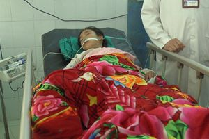 4 học sinh nhập viện sau khi thách nhau uống thuốc trừ sâu