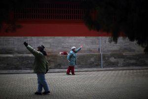 Dân số già: Quả bom nợ nổ chậm của kinh tế Trung Quốc