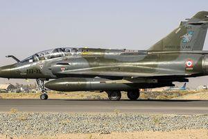 Máy bay Pháp thả nhầm 'bom' vào nhà máy sản xuất ô tô