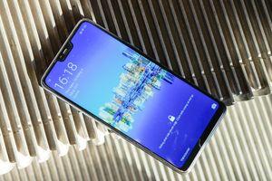 Oppo F7 màn hình 'tai thỏ' ra mắt, camera trước 25 MP