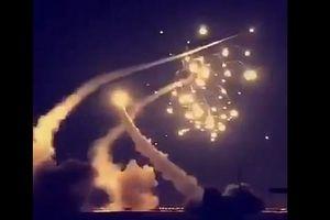 Houthis rầm rộ phóng tên lửa và UAV vào Saudi: Bồi thêm căng thẳng Iran?