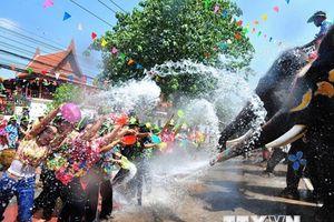 Người dân Thái Lan tưng bừng đón Tết cổ truyền Songkran