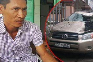 Tài xế bẻ lái cứu 2 nữ sinh lo ngay ngáy sau cú điện bất ngờ của chủ xe Toyota