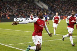 Welbeck tỏa sáng, Arsenal may mắn thoát hiểm trên đất Nga