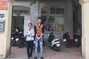 Cảnh sát hình sự Hà Nội tìm người thân cho thanh niên đi lạc trong đêm