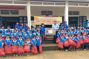 Nghĩa tình Ánh Sao nơi biên giới Việt - Lào