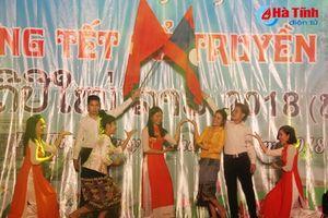 Thắm mối tơ duyên Việt - Lào