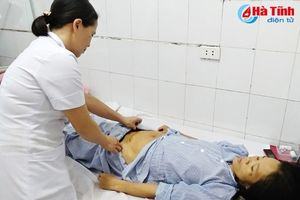 Bệnh viện đa khoa Thạch Hà phẫu thuật cho 2 bệnh nhân, lấy ra 2 khối u 'bự'