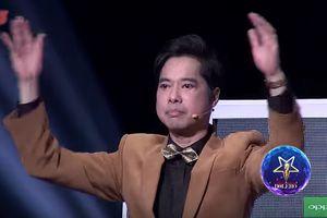Liên tục đánh tay giữ nhịp, HLV Ngọc Sơn xứng đáng được gọi là 'vị nhạc trưởng' tận tâm