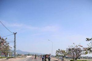 Tin tức tai nạn giao thông nóng nhất 24h: Liều mạng chặn xe khách, thanh niên bị cán tử vong trong đêm