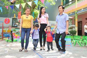 Chạm vào ước mơ cùng Thanh Niên: Người cha đánh giày đã đưa được con đến trường