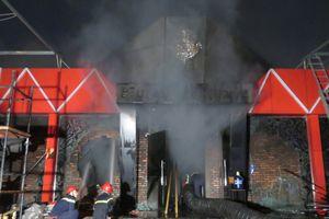 Cháy lớn tại quán bar lớn nhất đất Cảng