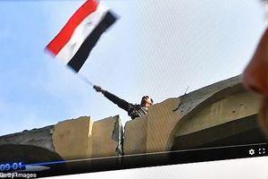 Quân đội Syria thượng cờ mừng chiến thắng lịch sử tại Đông Ghouta