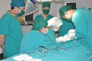 Lần đầu tiên Việt Nam phẫu thuật thành công bệnh hiếm phù bạch mạch