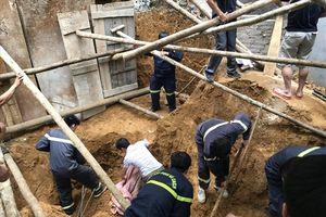 Sạt lở vùi lấp 4 công nhân lao động ở TP. Lào Cai