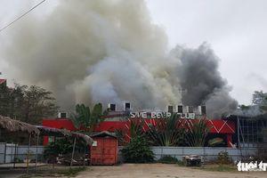 Cháy dữ dội ở Hải Phòng, sơ tán dân khẩn cấp để tránh hít phải khói độc